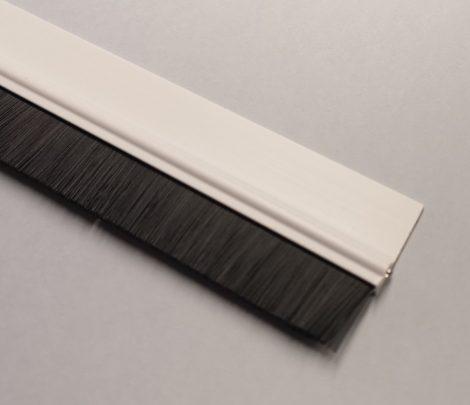 Szúnyogháló ajtó szigetelő kefe (fehér)
