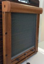 Műanyag keretes rolós szúnyogháló, tetőtéri ablakra (aranytölgy)